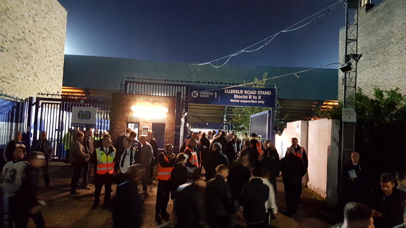Loftus Road Metall Stra/ße Unterzeichnen Queens Park Rangers FC
